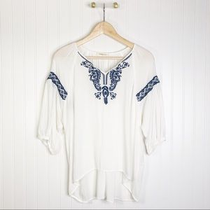 White blue embroidery blouse M